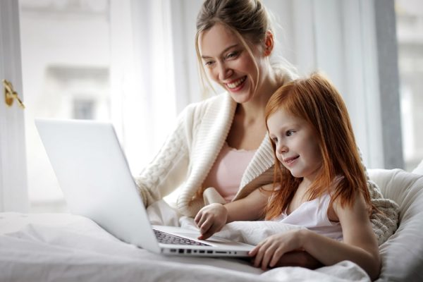 Invaluable Lessons to Teach Your Daughters About Money thumbnail